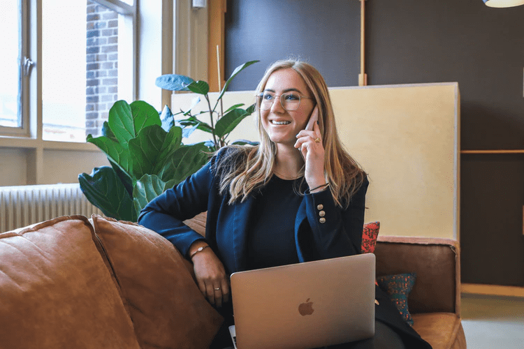 Silva Homes 'Phone Pals' Reach Out to Lonely Customers